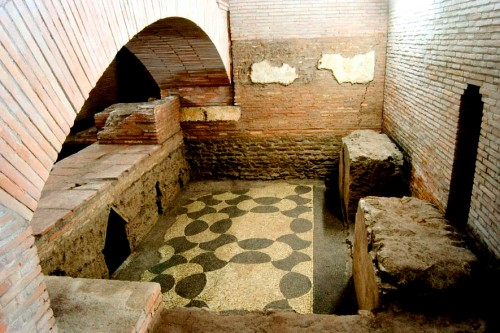 san-lorenzo-in-lucina-008-scavi